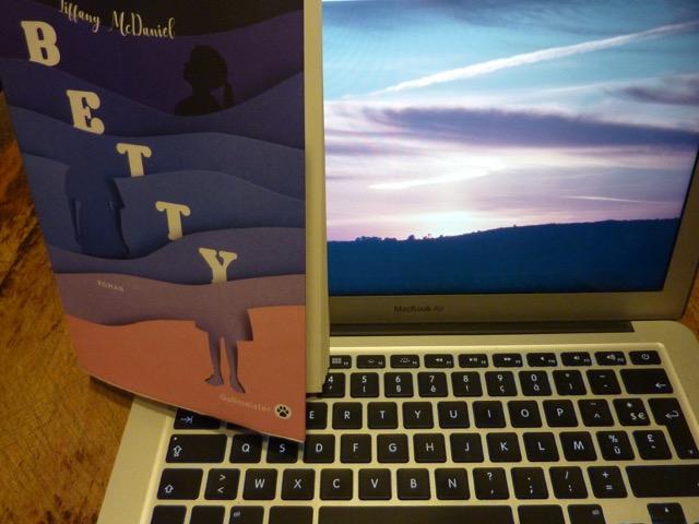 Betty, roman gigogne des vies entaillées